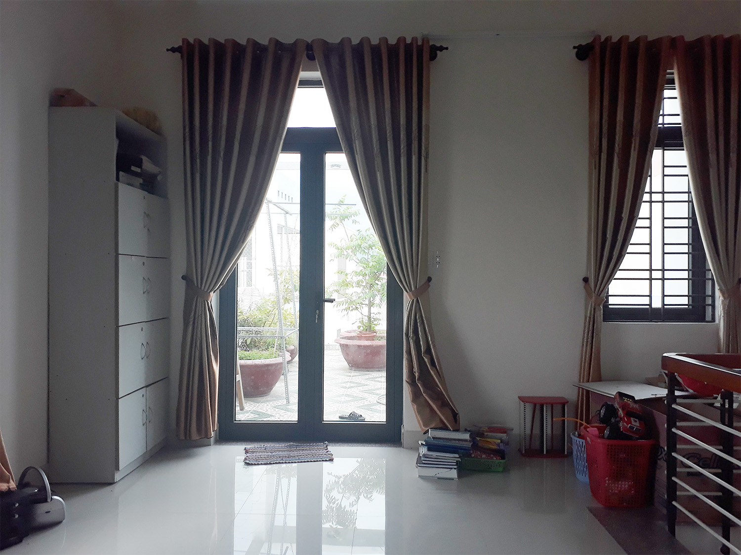 5294Fond of a luxury house for rent in Da Nang Vietnam with a pool