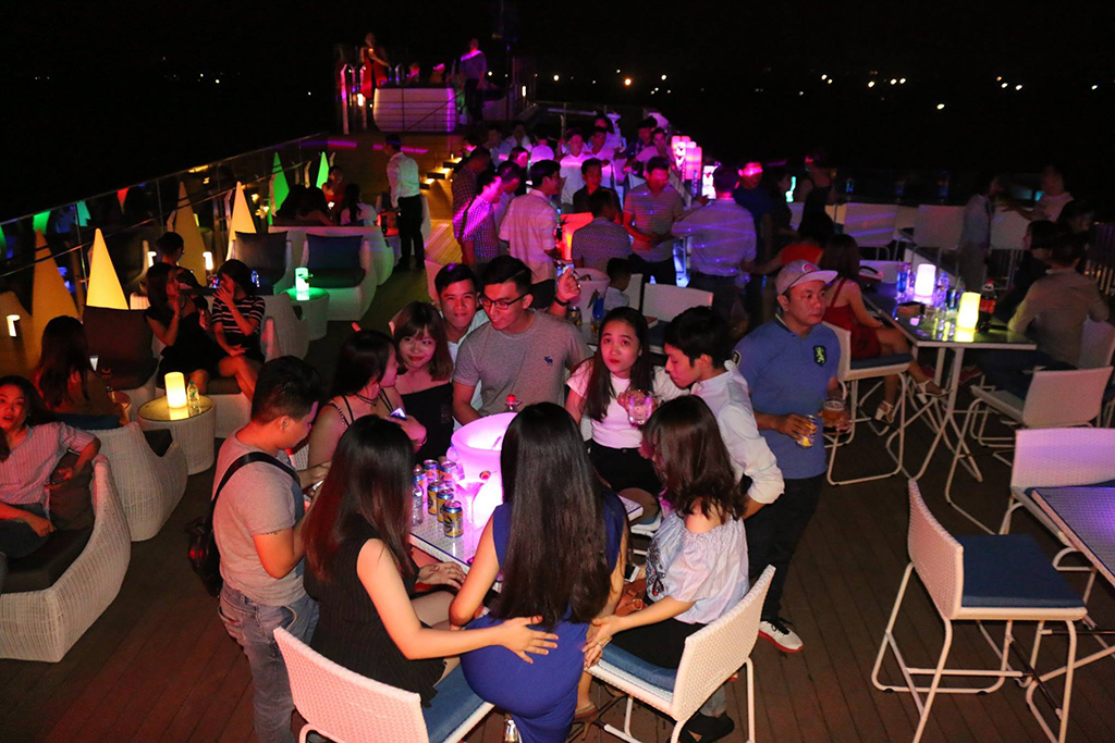bars in Danang sky 21 best service