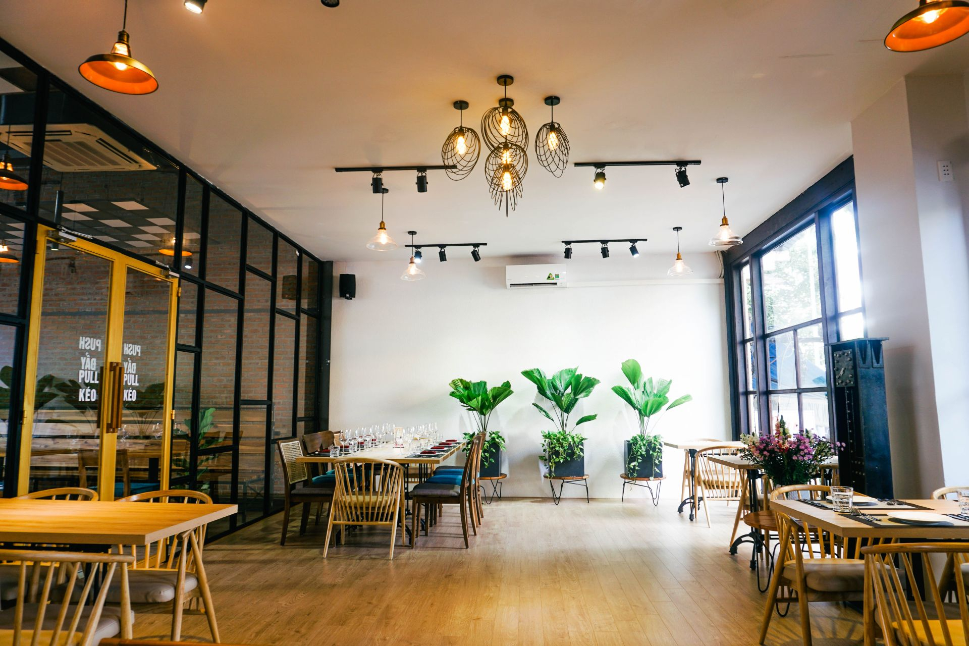 Da Nang's spaceful coworking space in heart of city