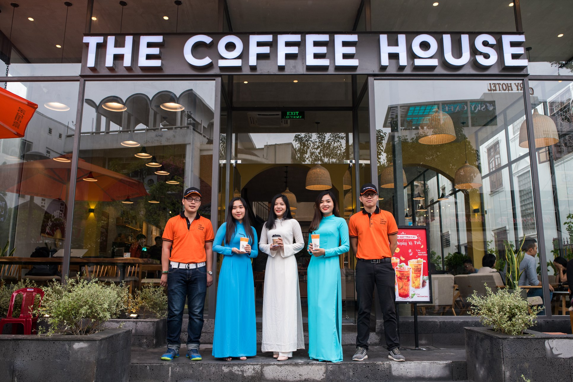 Front of ideal coffee shop in Da Nang