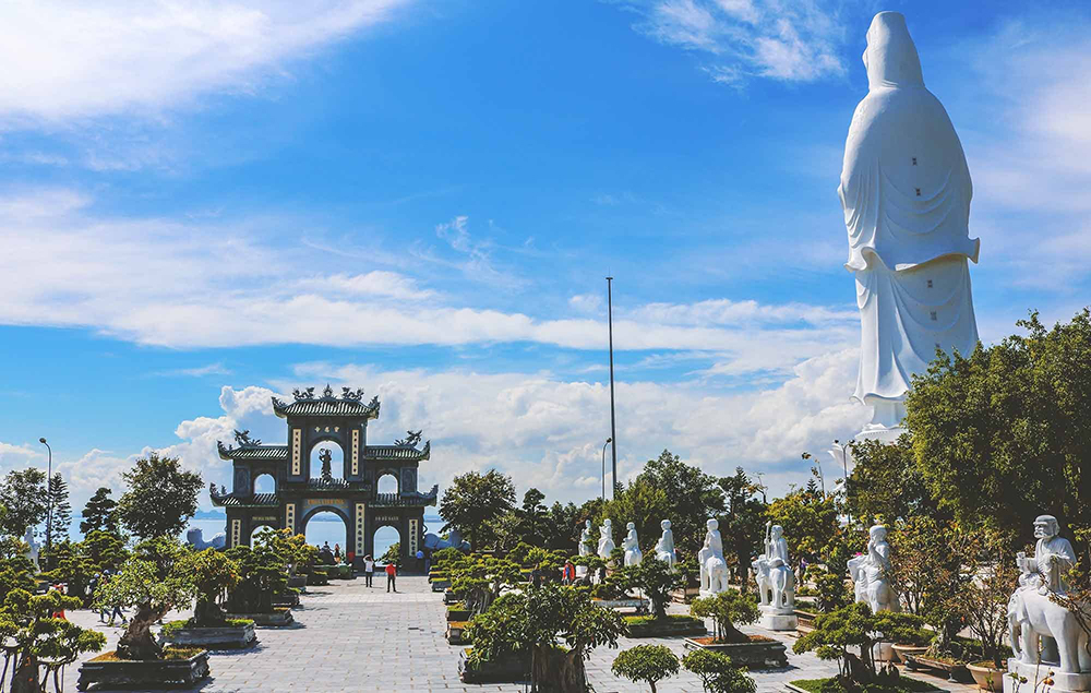 Danang holy pagodas Linh Ung overview