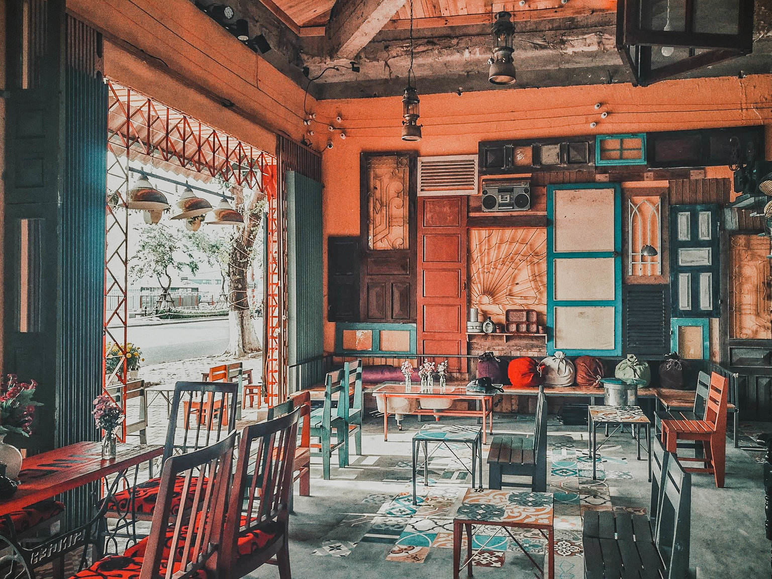Ancient Cafe style