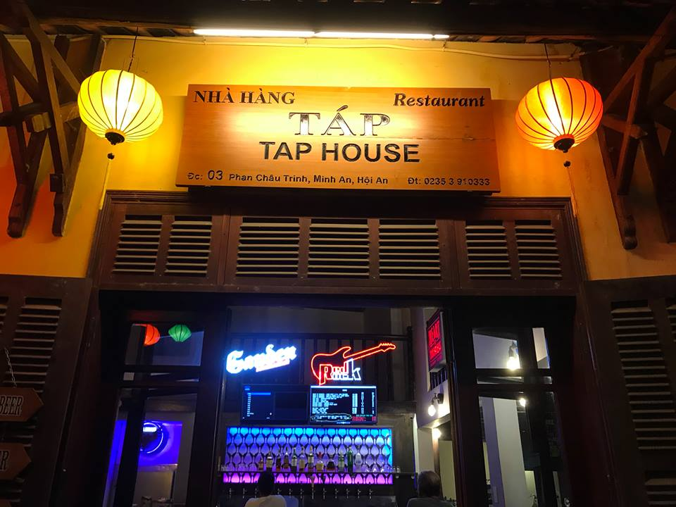The looking of restaurant with friendly atmosphere in Hoi An