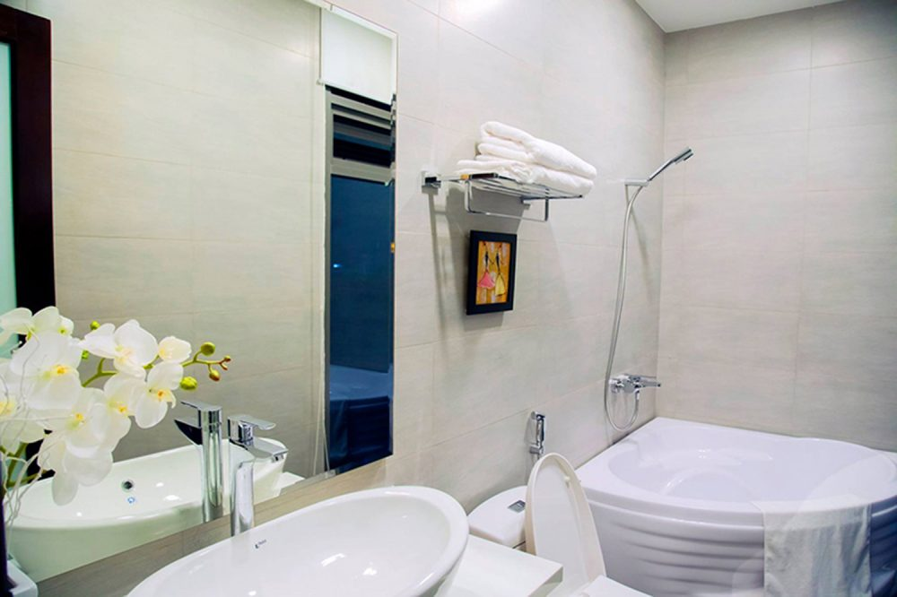 Apartment for rent in Danang with bathtub