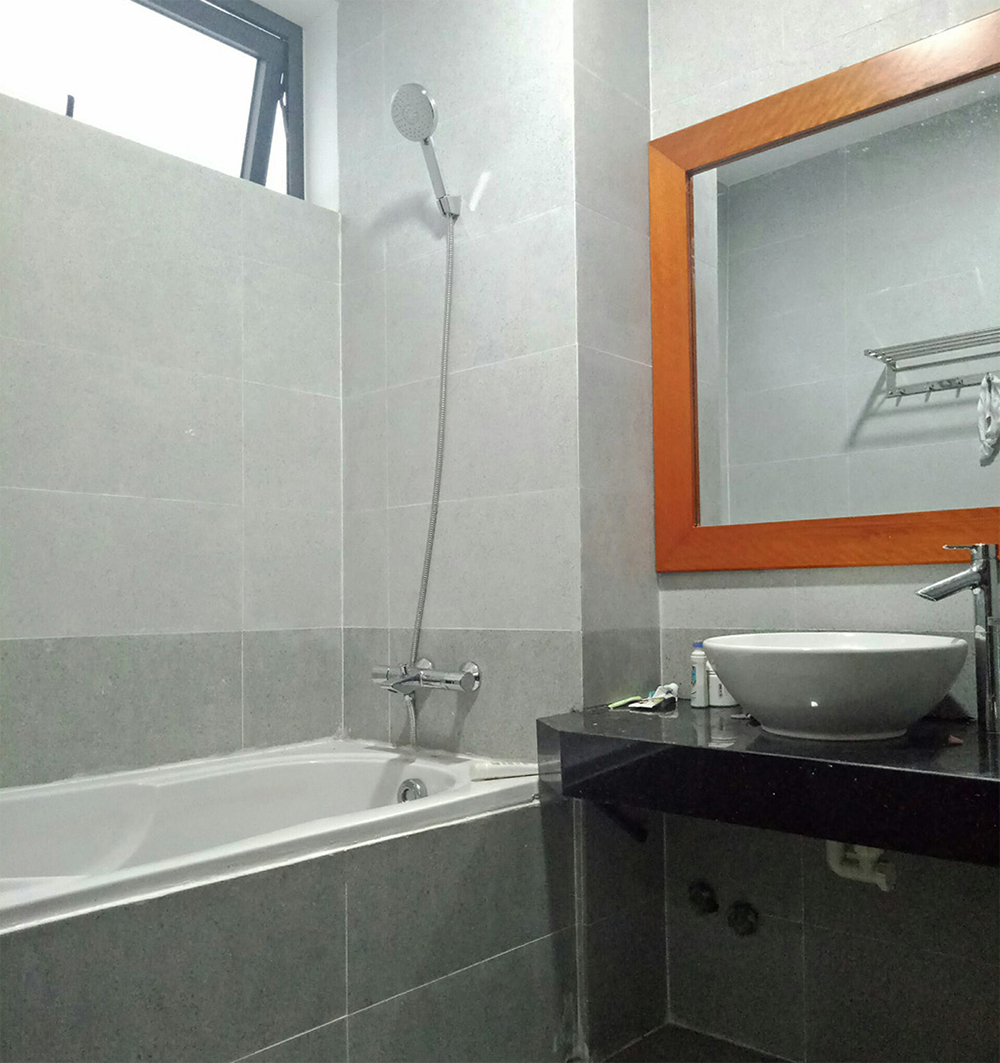 Danang house for rent Phan Tu street bathroom