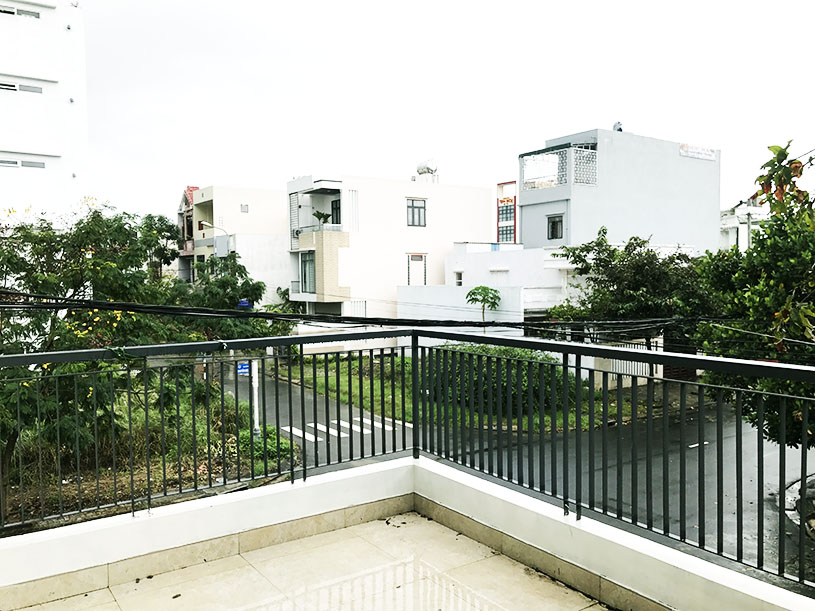 luxury house for rent in Danang near the beach view