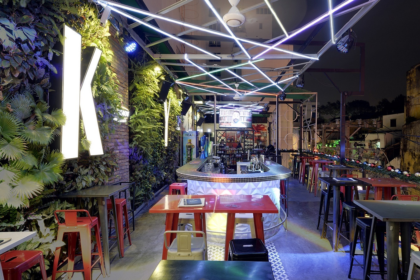 Language In 45 And 47 Stella Street: One Of The Best Rooftop Bars In Saigon