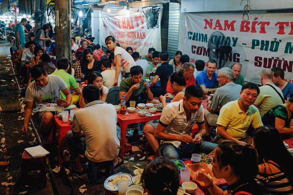 Vietnam food Hanoi street food custom