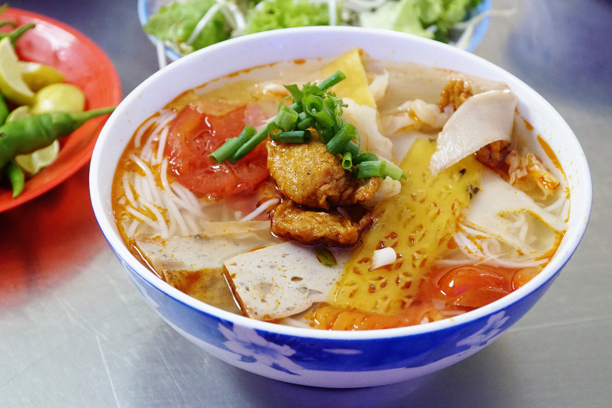 Where to find the best Danang local food restaurants?