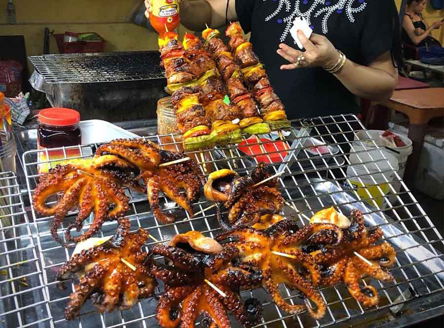 BBQ food in Hoi An night market