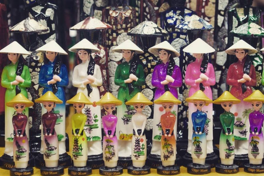Shopping in Hoi An Vietnam – What souvenirs to buy after a trip