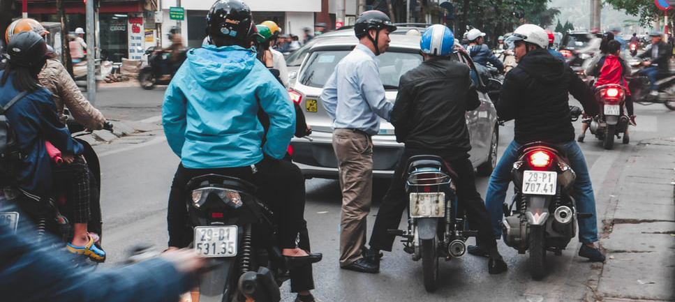 Vietnam traffic rules you should know before coming