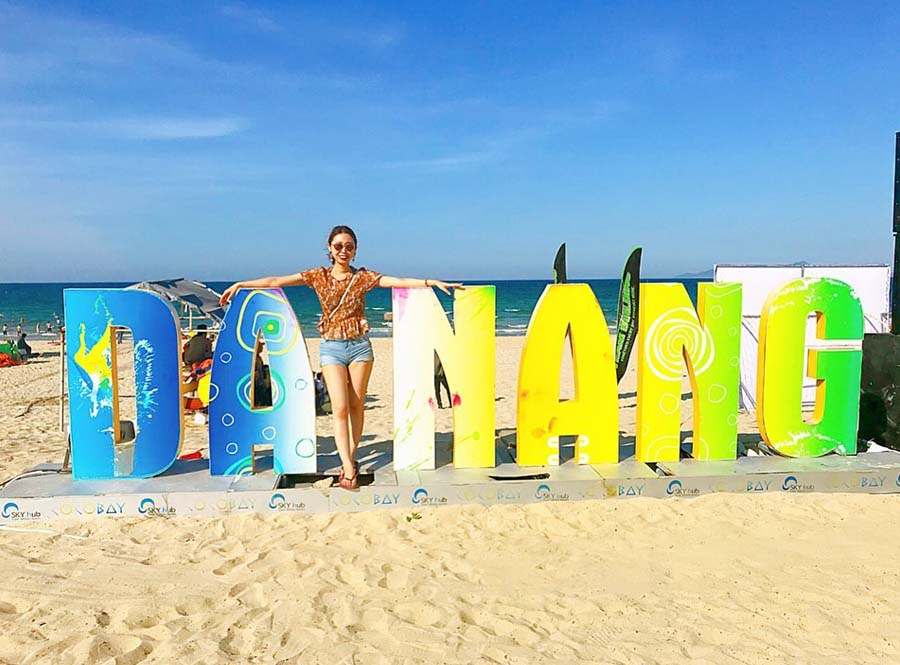 there are so many interesting beach activities when weather Da Nang is good from Feb to May