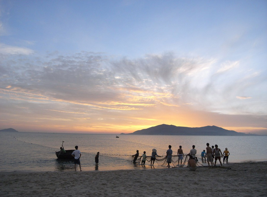 xuan thieu beach is not as famous as other beaches in Da Nang