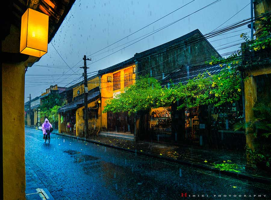 hoi an ancient town in the rainy days
