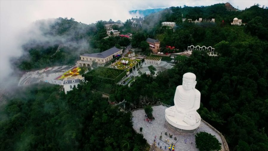 buddhist statue at linh ung pagoda