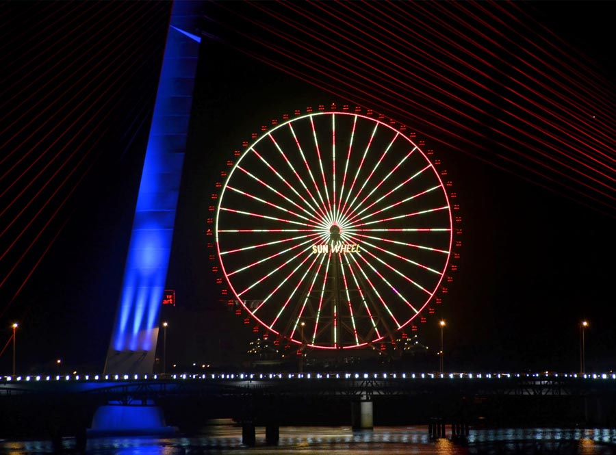 sun wheel is one of the most interesting places to visit in danang at night to see the whole charming city with millions lights