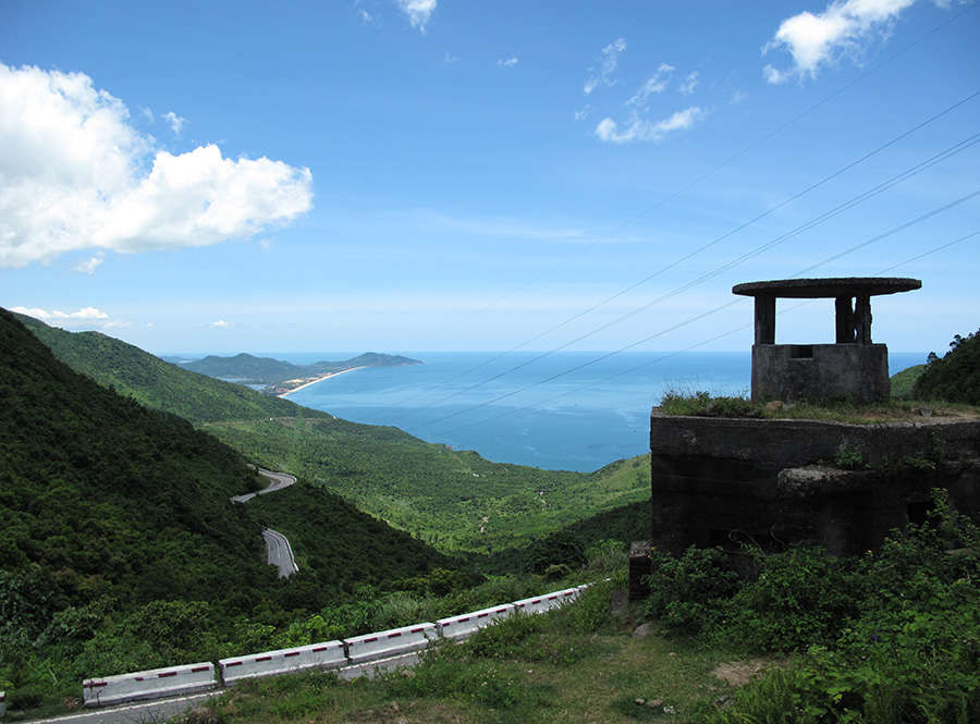 book a da nang to hue motorbike tour to travel across hai van pass
