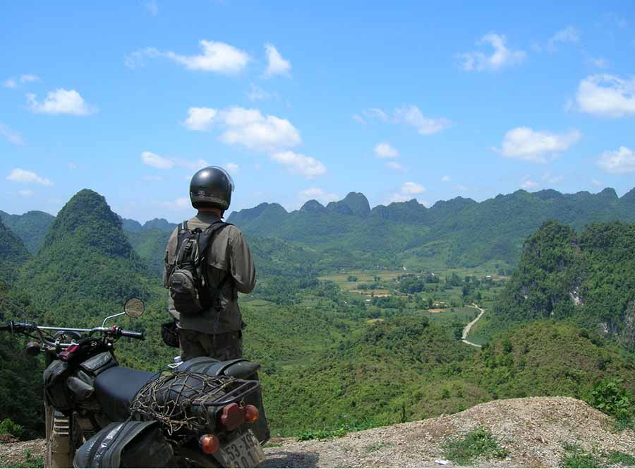 when you travel from da nang to hue motorbike, you can enjoy many beautiful landscapes